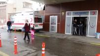 Alacaklılarla Görüşmek İçin Araca Bindi, Ayağından Vurulup Caddeye Atıldı