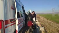 KARAYOLLARı GENEL MÜDÜRLÜĞÜ - Çocuğunu Hastaneye Götürürken Kaza Yaptı Açıklaması 1 Yaralı