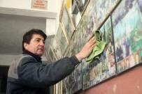 AHMET OĞUZ - Kaporta Dükkanının Duvarlarını Müşteri Fotoğraflarıyla Süsledi