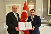 MEHMET AKİF ERSOY - Mehmet Akif Ersoy Kapalı Yüzme Havuzu Ortahisar'a Devredildi!