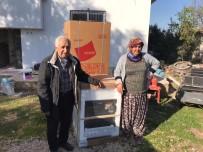Mersin'de Yangında Zarar Gören Aileye Belediye Destek Verdi