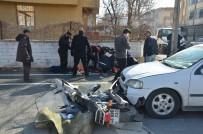 112 ACİL SERVİS - Otomobille Motosikletin Çarpıştığı Kaza Kamerada