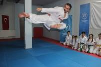 İŞİTME ENGELLİLER - İşitme Engelli Milli Karateci Sabri Kıroğlu, Dünya Şampiyonası'na Hazırlanıyor