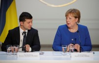 DEVLET BAŞKANI - Zelenskiy, Merkel İle Telefonda Görüştü