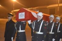 SÜLEYMAN ELBAN - Ağrı'da Şehit Olan Askerin Cenazesi Baba Ocağına Uğurlandı
