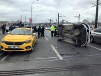 KARAKÖY - Galata Köprüsü Üzerinde Otomobil Yan Yattı