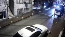 GAYRETTEPE - Hırsızlar, Kilolarca Ağırlıktaki Para Dolu Kasayı Böyle Sürükleyip Götürdü
