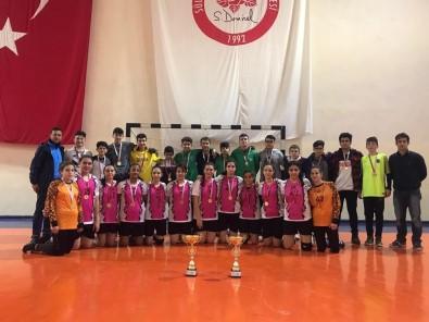 Isparta Hızırbey Ortaokulu Üst Üste Üçüncü Kez Şampiyon Oldu