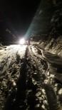 MEDİKAL KURTARMA - Karda Mahsur Kalan 8 Kişi Kurtarıldı