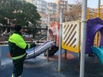 Konak'taki Parklar Temizlenip İlaçlanıyor