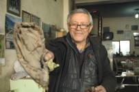 YUNANLıLAR - Kurtuluş Savaşı'ndan Kalma Dede Yadigarı Çarığa Gözü Gibi Bakıyor