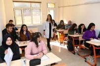 EĞİTİM MERKEZİ - Öğrenciler, Büyükşehir Belediyesinin Kurslarıyla Üniversiteye Hazırlanıyor
