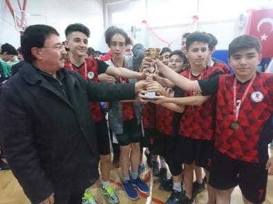Okullar Arası Yıldız Erkekler Voleybol İl Birinciliği Müsabakaları Tamamlandı