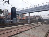 ÜST GEÇİT - Tren Garı Üst Geçit Köprüsü Yenilendi