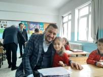 AK Parti Milletvekili Açıkgöz, Öğrencilerin Karne Heyecanına Ortak Oldu