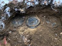 UZMAN JANDARMA - Bitlis'te Terör Örgütüne Ait 1 Ton Gıda Malzemesi Ele Geçirildi