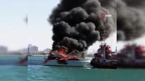 DUBAI - Dubai'de Bir Yat Alev Alev Yandı