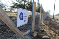 ESKIHISAR - Elmalı'da Mezarlıklar Tel Çitle Çevriliyor