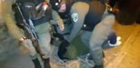 SABAH NAMAZı - Filistinliler Mescid-İ Aksa'da İsrail'i Protesto Etti