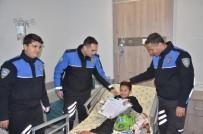 HASTANE YÖNETİMİ - Hastanede Tedavi Gören Öğrencilere Polisten Karne Sürprizi