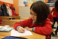 İstanbul'da 2 Milyon 819 Bin Öğrencinin Karne Heyecanı