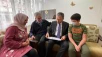 İSTANBUL VALİSİ - İstanbul Valisi Yerlikaya, Lösemi Hastası Kerem'in Karnesini Evinde Verdi