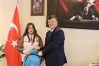 Türkiye Şampiyonu Burcu'dan İl Müdürü Fillikçioğlu'na Ziyaret