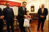 Vali Çakır 'Bayrak Sevdalısı' Öğrenciyi Makamında Ağırladı