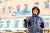 DİN KÜLTÜRÜ VE AHLAK BİLGİSİ - Yüksekovalı Öğrenciler Kuşlar İçin Yemlik Yaptı
