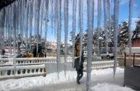 DOĞU KARADENIZ - Bayburt'ta Dondurucu Soğuklar Etkili Oluyor