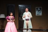Bursa'da Sahne Alan 'Cimri' Oyunu İlk Sahnesinde Seyirciden Tam Not Aldı