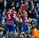 KENDİ KALESİNE - Cenk Tosun, Crystal Palace Formasıyla İlk Golünü Attı