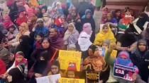 MÜSLÜMANLAR - Hindistan'da Binlerce Kadın Sokaklara Döküldü