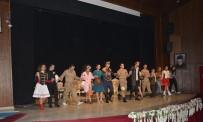 Iğdır'da 'Şapka' Adlı Tiyatro Gösterisi Düzenlendi