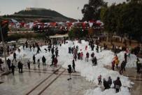 Köy Yollarını Kapatan Tonlarca Kar Şehirde Çocukların Eğlencesi Oldu
