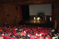 Köyü Okulu Kütüphanesi Oluşturmak İçin Tiyatro Gösterisi Düzenlediler