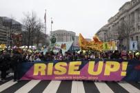 CHICAGO - ABD'de Binlerce Kadından Trump Karşıtı Gösteri