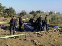 ADLİ TIP KURUMU - Antalya'da Boş Arazide Erkek Cesedi Bulundu
