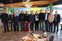 Başkan Yanmaz Hamsifest'e Katkıda Bulunan İş Adamlarına Plaket Verdi
