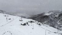 KARADENIZ - Karla Kaplı Yaylalarda Muhteşem Görüntüler