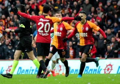 Süper Lig Açıklaması Galatasaray Açıklaması 1 - Denizlispor Açıklaması 0 (İlk Yarı)