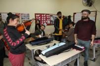 CEM KARACA - Çocuklar İçin Çal Derneği Köy Okuluna Müzik Sınıfı Kazandırdı