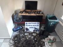 DİZÜSTÜ BİLGİSAYAR - Hırsızlık Yapan Şahıslar Yakalandı