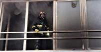 ELEKTRONİK EŞYA - Karabük'te Elektronik Eşya Dükkanında Yangın  Korkuya Neden Oldu