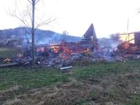 AHŞAP EV - Kastamonu'da Yaşlı Adam, Çıkan Yangında Hayatını Kaybetti