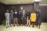 BURKINA FASO - Rektör Bilgiç, Afrikalı Öğrencilerle Baş Başa