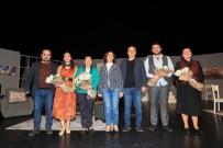 Başkan Zolan'dan 'Geç Kalanlar' İsimli Tiyatro Oyununa Tam Not