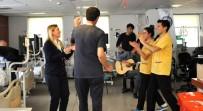 MÜZİK ÖĞRETMENİ - Diyaliz Hastalarına Müzikle Moral Verdiler
