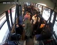 Kontrolsüz dönen otomobile otobüs çarptı
