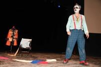 NAZIM HİKMET - Nazım Hikmet Anısına Şiir Dinletisi Ve Tiyatro Oyunu